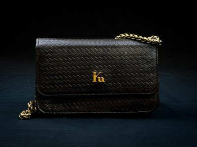 Kumesu - Kuba bag black golden chain